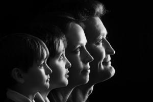 portrait de famille original en noir et blanc
